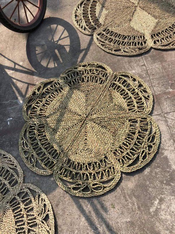 Thảm cói decor đan kỹ thuật hoa thưa D 1,2m - Decor Vintage style 4