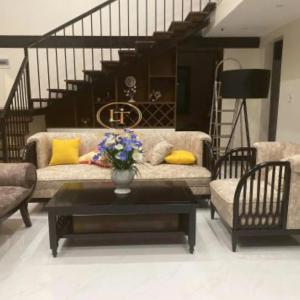 Bộ Sofa Hiện Đại Cách Điệu Gỗ Tần Bì Sang Trọng 1